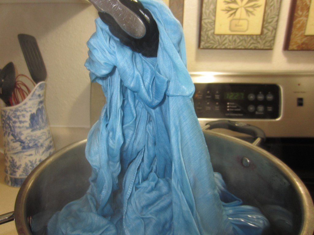 Aquarelle Dyeing: Liquid Indigo at Sew Pomona